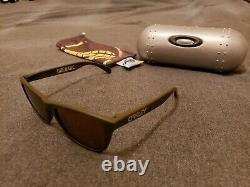 Oakley Frogskins Grenade Dark Olive with Gold Iridium Limited Edition very rare