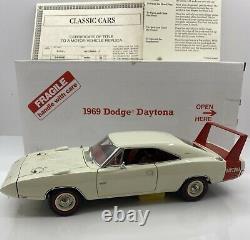 Danbury Monnaie 1/24 Échelle 1969 Dodge Daytona Edition Limitée Et Très Rare